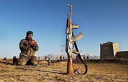 Афганским войскам приказано сдать старые АК-47