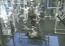 Инцидент в спортивном зале (видео)