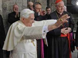 Бенедикт XVI призвал строже карать духовенство за сексуальные преступления