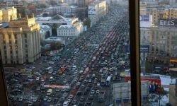 В прошлом году российский автопарк вырос почти на 3 млн машин