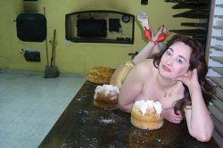 Испанские мамы разделись для эротического календаря и прогорели (фото)