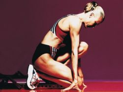 Реккордное число молодых женщин занимаются спортом