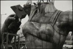 Реконструкция памятника «Рабочий и колхозница» (фото)