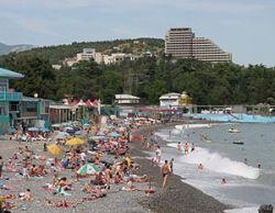 Почему одни и те же люди ведут себя по-разному в турциях-египтах и в Крыму?