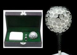 Бриллиантовый мяч для гольфа стоит 18.000 фунтов стерлингов