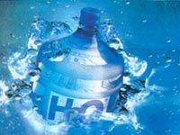 Питьевая вода в бутылках не лучше воды из-под крана