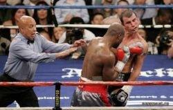 В Лас-Вегасе состоялся бой года: Джо Кальзаге против Бернарда Хопкинса (фото)