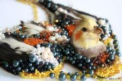 Украшения из трупов животных и птиц от арт-бюро «Idiots» (фото)