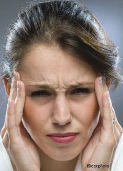 Частые головные боли у женщин являются показателем высокой вероятности сердечного приступа
