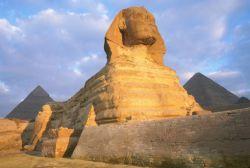Как издевались над египетским сфинксом