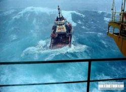 TOP-10 сильнейших океанских штормов (видео)