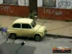 Оригинальный способ угнать автомобиль (видео)