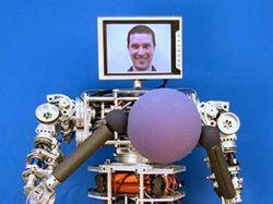 Американцы сделали робота для пенсионеров (видео)