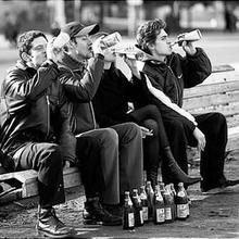 Россияне считают главными проблемами страны инфляцию и алкоголизм