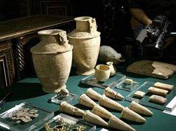 Власти Сирии передали Ираку около 700 похищенных предметов искусства