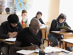 Больше половины мигрантов не знают русский язык