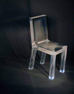 Датские дизайнеры создали стул-призрак