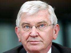 Главе немецкой разведки Эрнсту Урлау грозит отставка за незаконную слежку