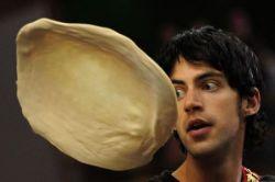 В Италии проходят соревнования среди пиццмейкеров (фото)