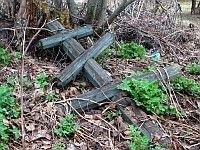 Опека над заброшенной могилой позволит москвичам получить место на кладбище