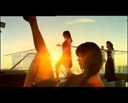 В рекламе эпиляторов Philips снялся известный трансвестит (видео)