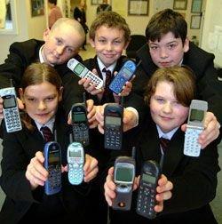 Мобильные телефоны спасут от насилия в школах?