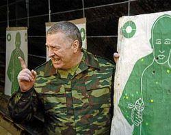 Коммунисты в Госдуме призвали осудить Владимира Жириновского, стреляющего из поезда по воронам и курицам