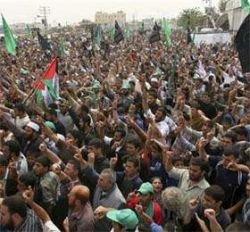 ХАМАС с помощью массовых митингов требует снять блокаду сектора Газа