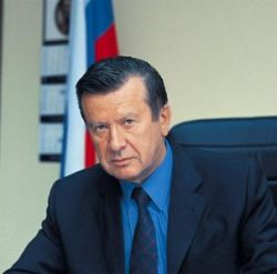 Виктор Зубков ограничил численность аппарата правительства РФ