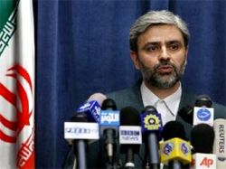 """Иран считает маловероятным нападение США, так как они \""""увязли\"""" в Ираке и Афганистане"""