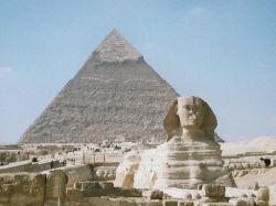 Египетские пирамиды покрыты морскими окаменелостями, нетронутыми со времен их возведения