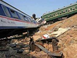 Названы предварительные причины столкновения поездов в Китае