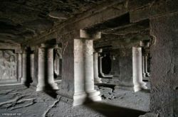 Индийские пещеры Эллоры (фото)