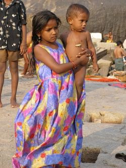 В Индии девочкам, посещающим школы, будут платить