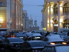 ГИБДД предупреждает: в день инаугурации Дмитрия Медведева дороги будут парализованы