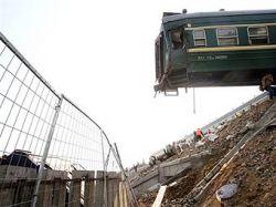 Китайские поезда столкнулись из-за превышения скорости