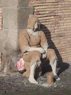В Италии борются с нищими