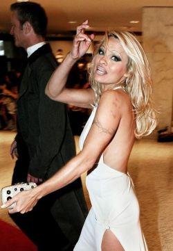 Памела Андерсон (Pamela Anderson) беременна? (фото)