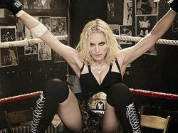 """Музыкальные эксперты оценили новый альбом Мадонны \""""Hard Candy\"""""""