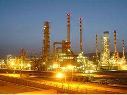 Иран полностью отказался от доллара при заключении нефтяных контрактов