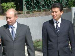 Президенту Калмыкии Кирсану Илюмжинову в очередной раз обещают отставку