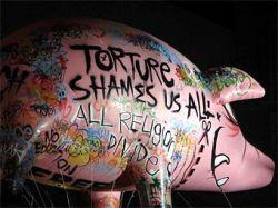 Останки надувной свиньи Роджера Уотерса найдены в Калифорнии