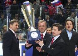 Сборная России по хоккею выиграет чемпионат мира, если не встретится с канадцами