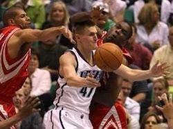 Команда Андрея Кириленко пробилась в четвертьфинал НБА