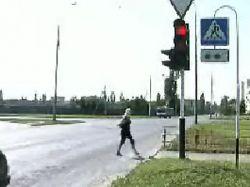 Дорожные знаки в Швеции украсит женский силуэт