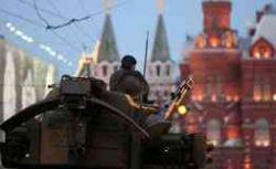 Россияне соскучились по танкам на Красной площади?