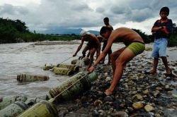 Контрабанда на границе Колумбии и Венесуэлы (фото)