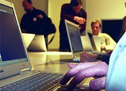 Американские подростки почти поголовно пользуются интернетом и электронной почтой