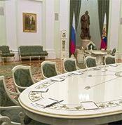 Дмитрию Медведеву и Владимиру Путину предстоит минимизировать риски новой политической конструкции
