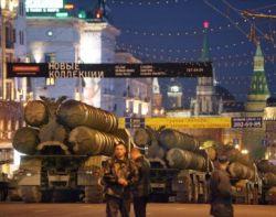 Танки в центре Москвы - сильная рука или имитация силы?